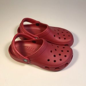 Crocs Classic Strawberry Clogs Women 6, Mint